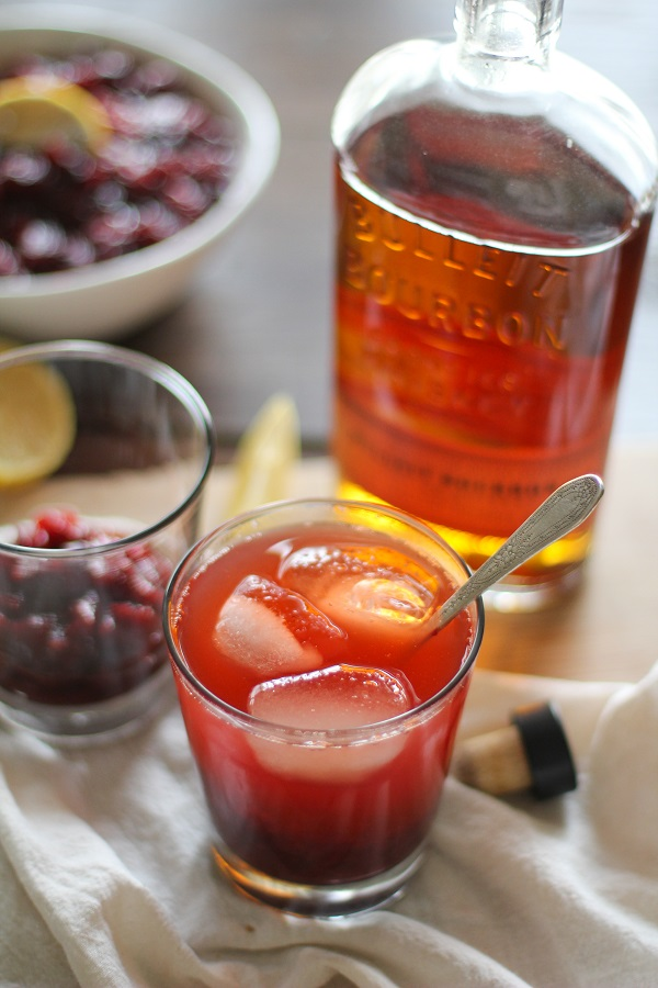 cranberry_sauce_bourbon_cocktail