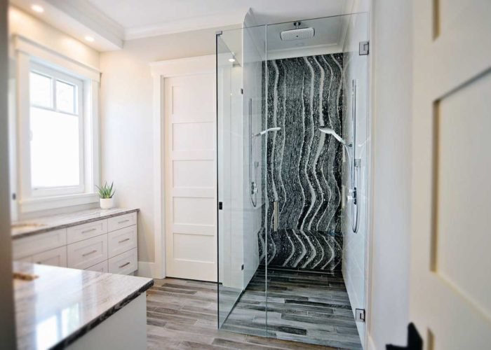 Roxwell Shower